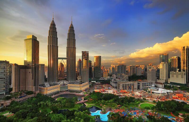 تور مالزی نوروز 99؛ لذت خرید و حضور در شهر مدرن
